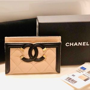 Chanel Quilted Caviar Filigree Card Holder RARE!